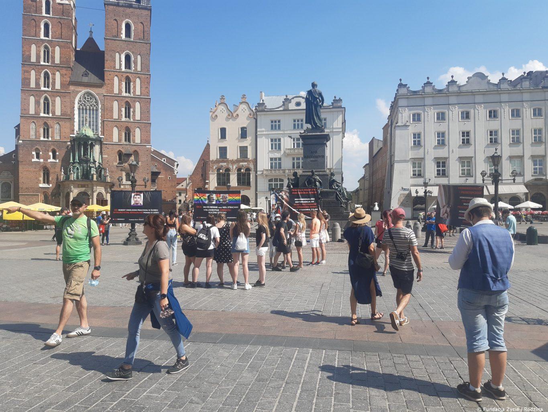 Prawda odpowiedzią na agresję LGBT - pikieta w Krakowie