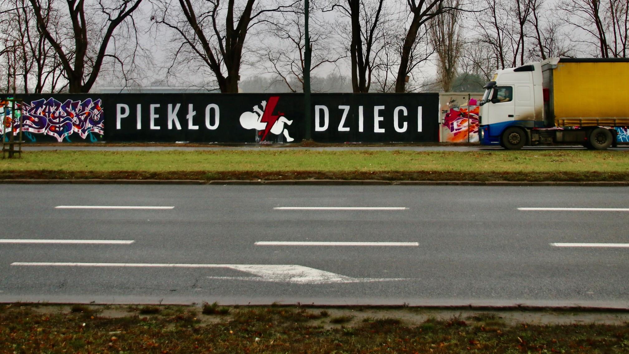 mural pro-life w Warszawie wywiad
